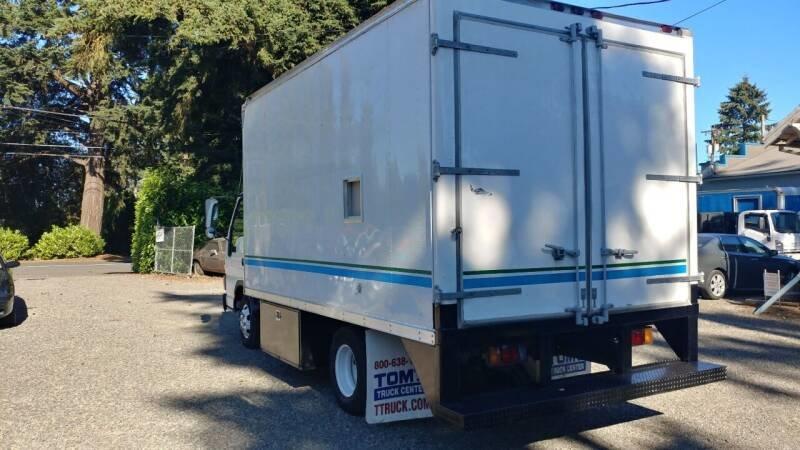 2000 Isuzu NPR diesel 14 foot box design portable office $9. For Sale (picture 2 of 6)