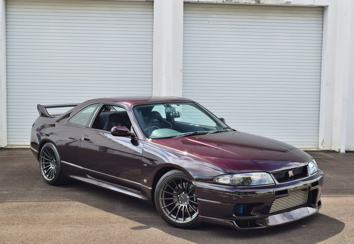 1995 Nissan GT-R R33 SKYLINE RHD mods 550-HP Purple $72.9k For Sale (picture 1 of 6)