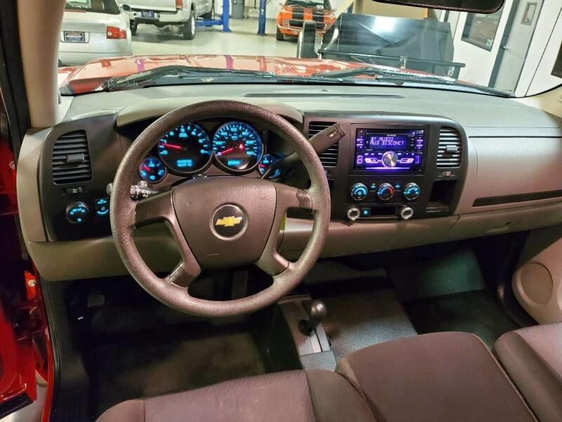 2010 Chevrolet Silverado 1500 4 Door Pick Up Truck 4x4 $obo  For Sale (picture 5 of 6)
