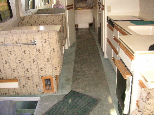 1986 Newell Diesel Pusher Motor Home For Sale (picture 4 of 6)