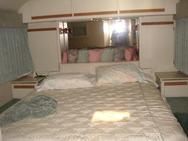 1986 Newell Diesel Pusher Motor Home For Sale (picture 5 of 6)