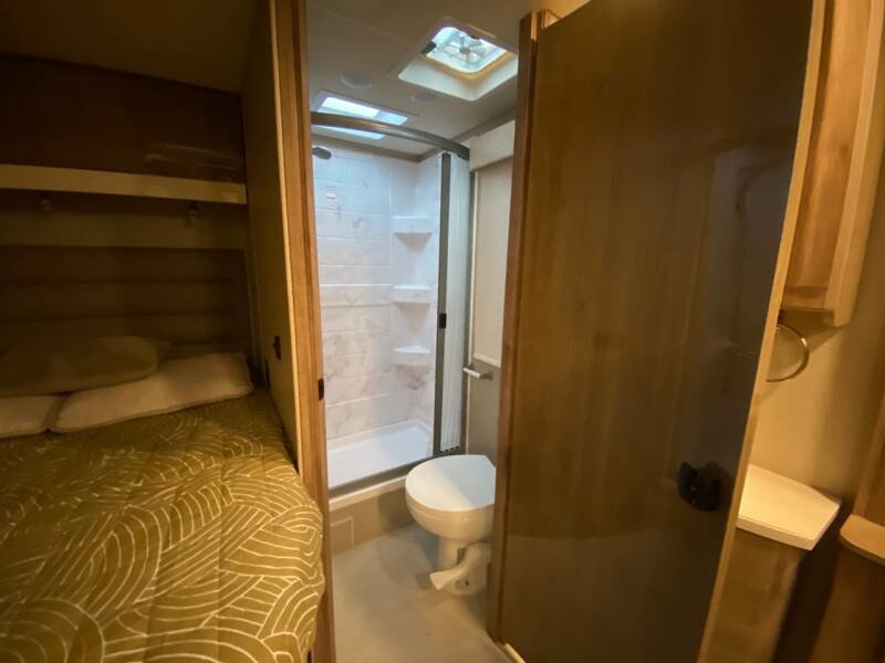 2020 Entegra 24A Motor(~)Home Clean Camper 6k miles $112.7k For Sale (picture 6 of 6)