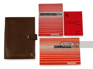 Picture of Ferrari 365 GTB4 Owners Manuals and Folio For Sale by Auction