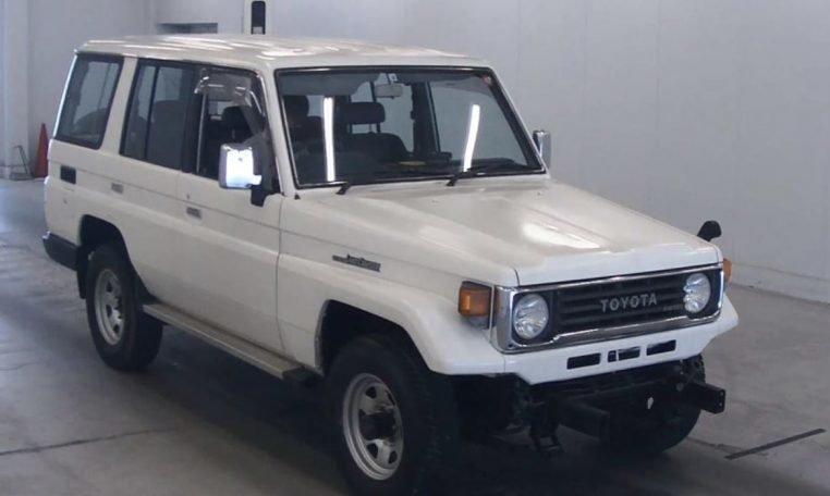 1993 Toyota Landcruiser 70 Series LWB PZ 3.5 liter RHD $17. For Sale (picture 1 of 6)