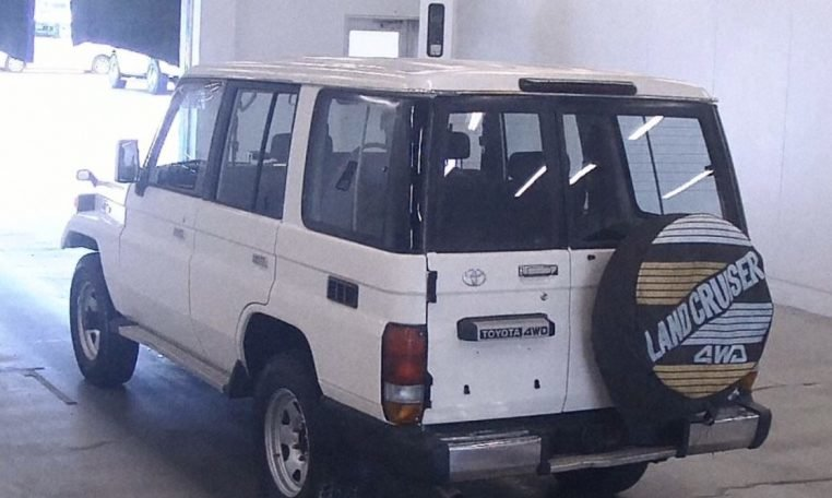 1993 Toyota Landcruiser 70 Series LWB PZ 3.5 liter RHD $17. For Sale (picture 3 of 6)