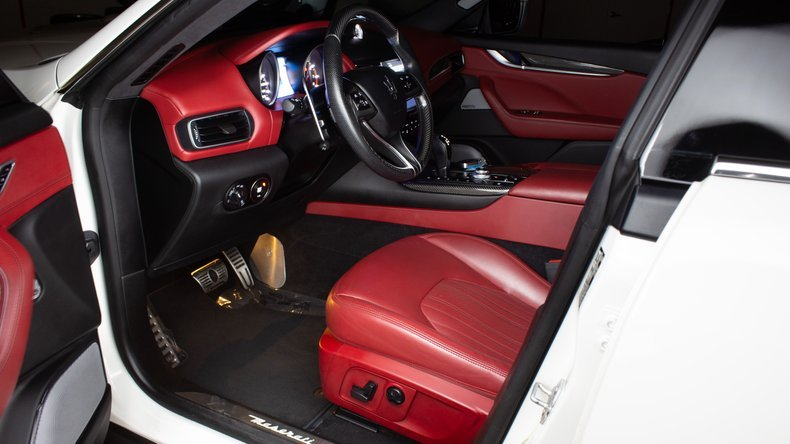 2017 Maserati Levante S Q4 SUV 4WD clean Ivory(~)Red $59.9k For Sale (picture 3 of 6)