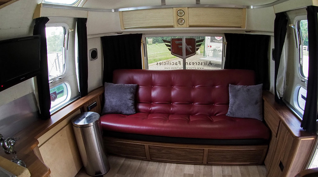 1976 Airstream Land Yacht For Sale (picture 2 of 6)