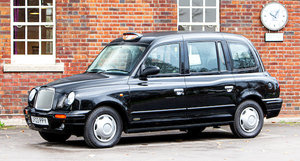 Picture of 2003 London Taxis International TX2 Gold Taxicab For Sale by Auction