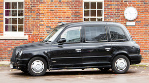Picture of 2007 London Taxis International TX4 Gold Taxicab For Sale by Auction
