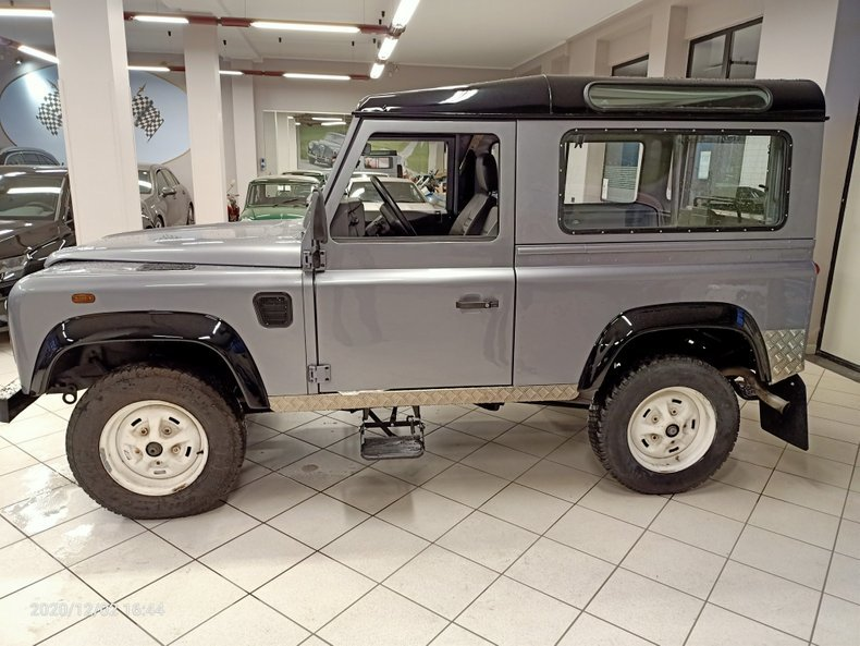1994 Land Rover Defender defender SUV AWD - 3 Doors LHD For Sale (picture 1 of 11)