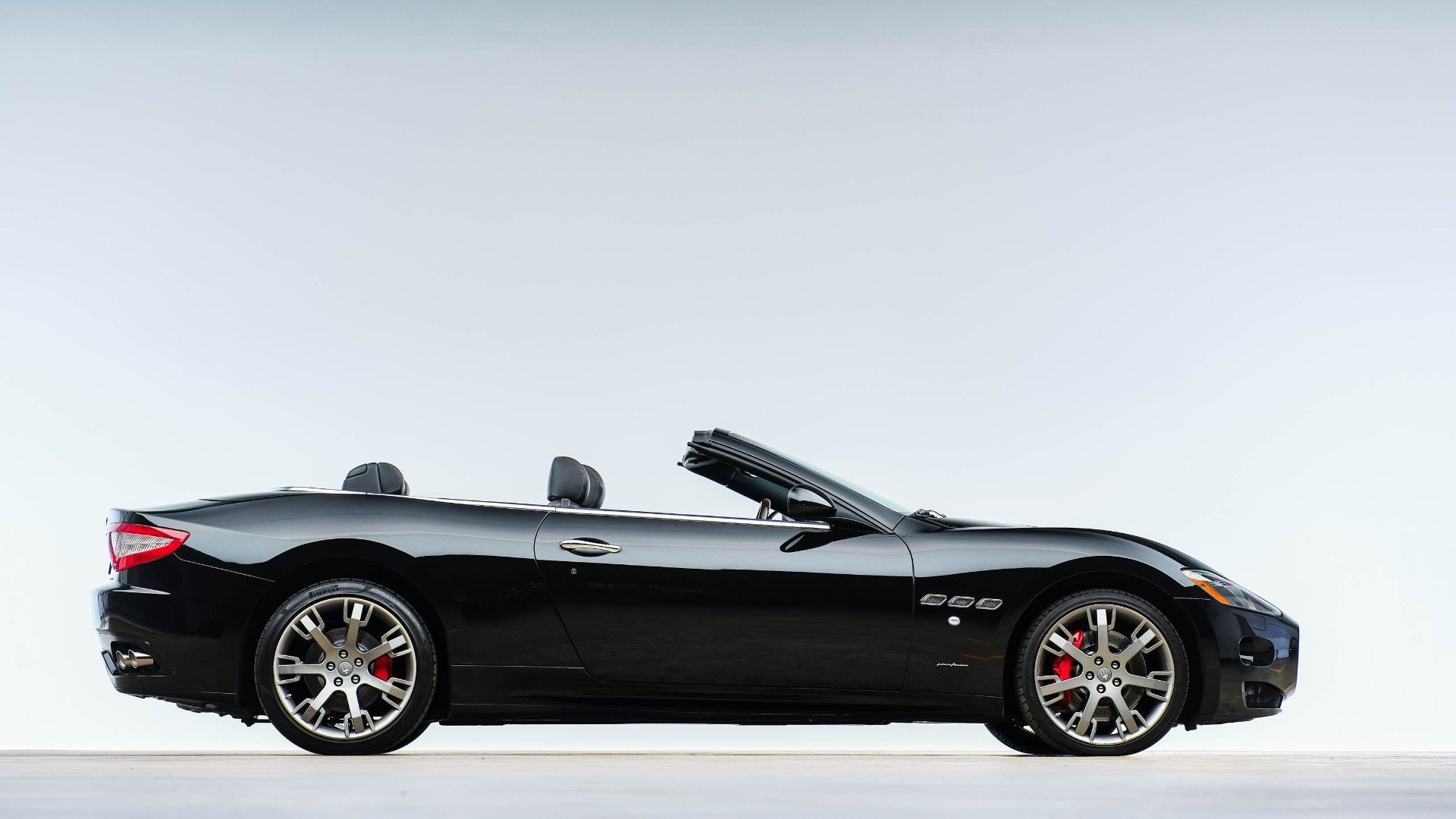2015 Maserati GranTurismo Convertible 38k miles Black $48.9k For Sale (picture 1 of 12)