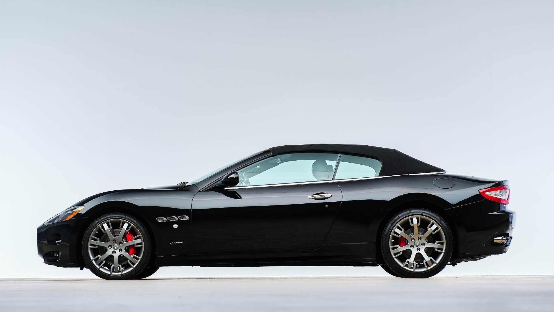 2015 Maserati GranTurismo Convertible 38k miles Black $48.9k For Sale (picture 3 of 12)