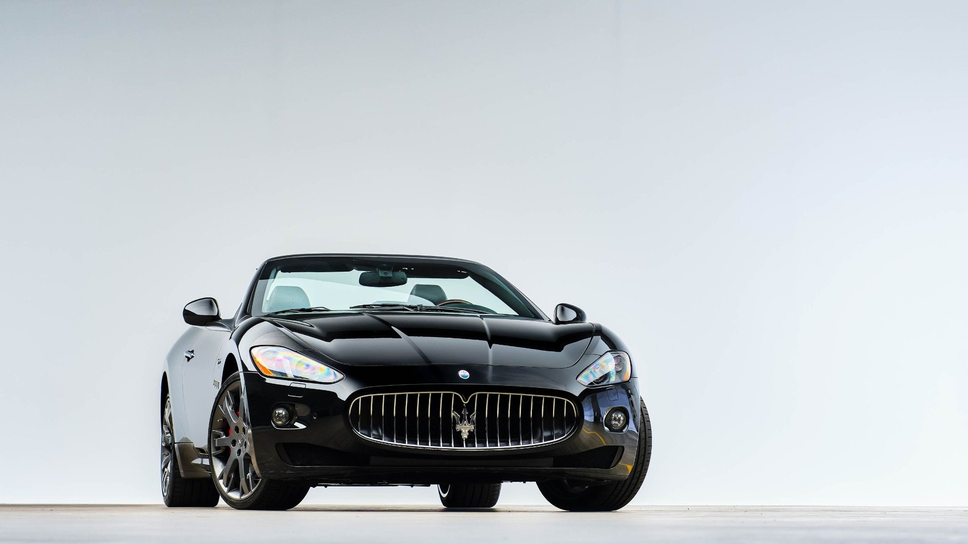2015 Maserati GranTurismo Convertible 38k miles Black $48.9k For Sale (picture 4 of 12)