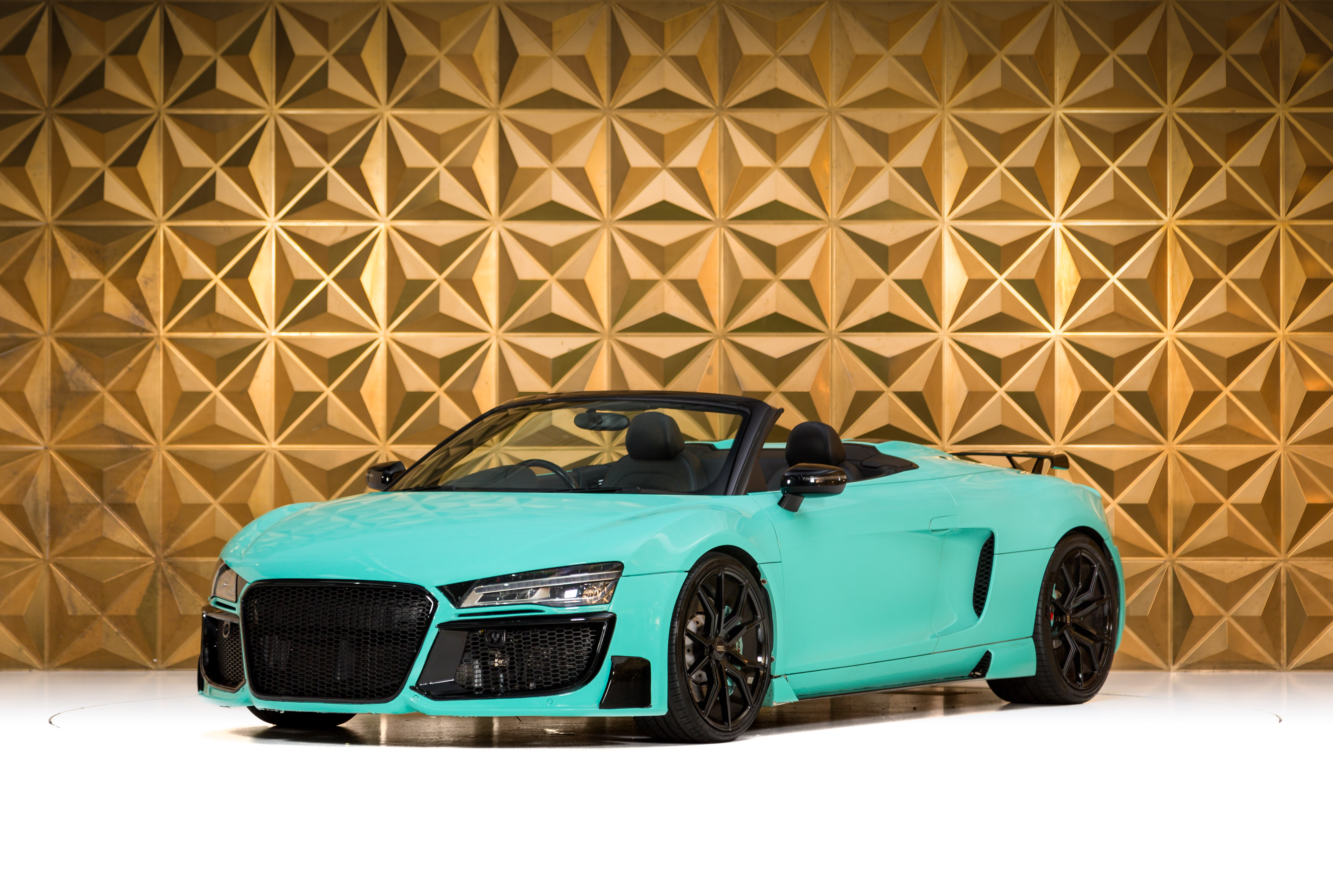 Picture of 2014 Tiffany Blue Audi R8 Spyder For Sale