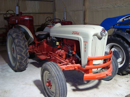 1955 Fordson 600 Tractor SOLD (picture 1 of 6)