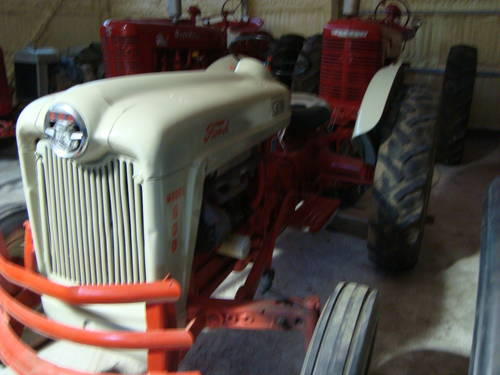 1955 Fordson 600 Tractor For Sale (picture 2 of 6)