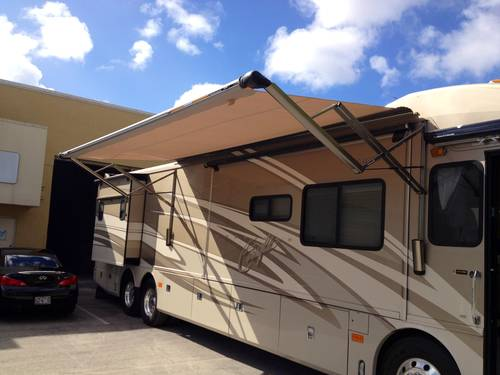 2005 American Eagle Custom Motor Home For Sale (picture 2 of 6)