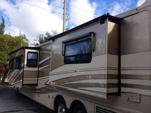 2005 American Eagle Custom Motor Home For Sale (picture 3 of 6)