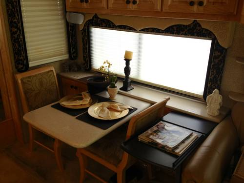 2005 American Eagle Custom Motor Home For Sale (picture 5 of 6)