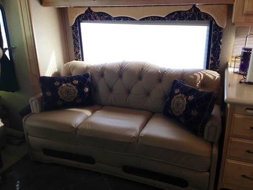 2005 American Eagle Custom Motor Home For Sale (picture 6 of 6)