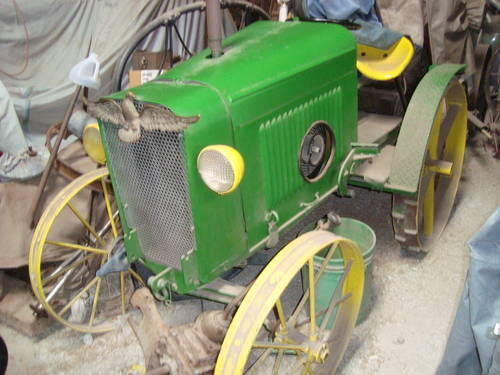 2013 John Deere Tractor For Sale (picture 1 of 6)
