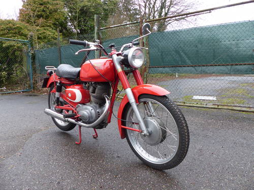 1963 Beautiful Moto Morini Tresette 175, top condition For Sale (picture 2 of 6)