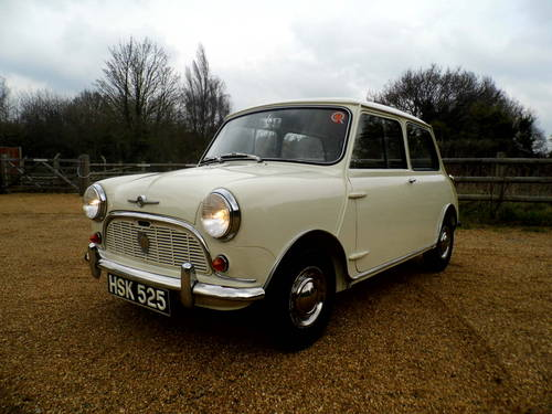 excellent condition 1961 Mini saloon  For Sale (picture 3 of 6)