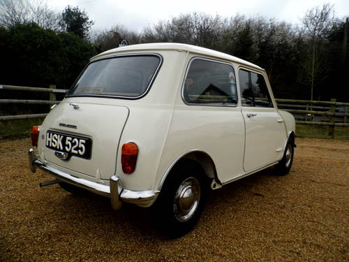 excellent condition 1961 Mini saloon  For Sale (picture 4 of 6)