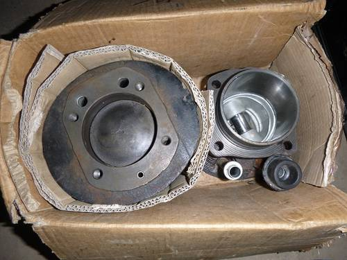 isetta pair of cylinders and pistons For Sale (picture 1 of 2)
