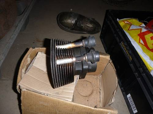 isetta pair of cylinders and pistons For Sale (picture 2 of 2)