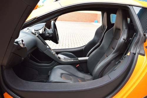 2011 McLaren MP4-12C Coupe 7-Speed DCT SOLD (picture 6 of 6)