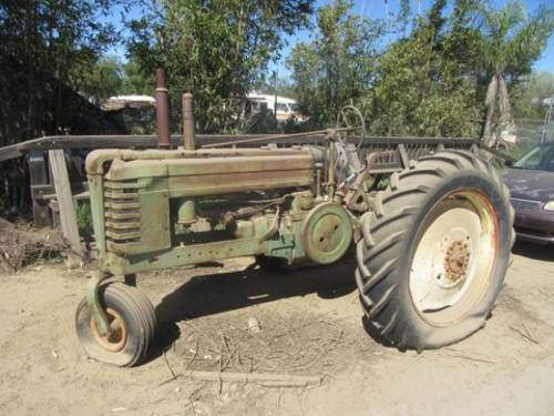 John Deer Tractor For Sale (picture 1 of 1)