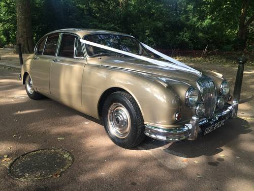 Classic Wedding Cars - London For Hire (picture 1 of 6)