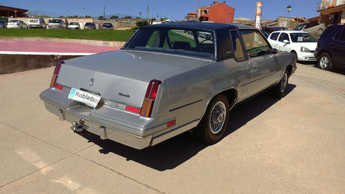 GMC Regency OldsMobile Cutlass Supreme Brougham For Sale (picture 2 of 6)