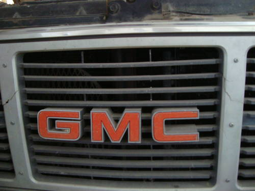 1987 GMC 2500 Suburban For Sale (picture 4 of 6)