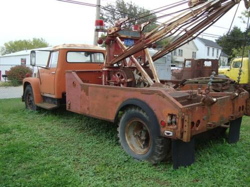 1954 International Loadstar 1600 Tow truck For Sale (picture 3 of 6)
