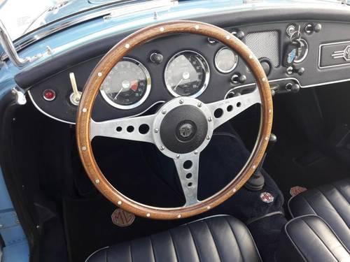 MGA BLEU 1959 1600CC BEAUTIFUL CAR. SOLD (picture 4 of 6)