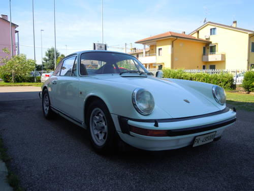 Stunning Porsche 911 2.7 S from 1977 For Sale (picture 2 of 6)