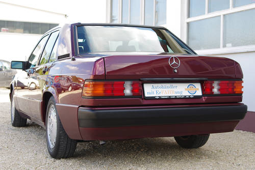 1993 Mercedes-Benz 190 E 1.8 Avantgarde Rosso - 1 of only 2300  SOLD (picture 4 of 6)