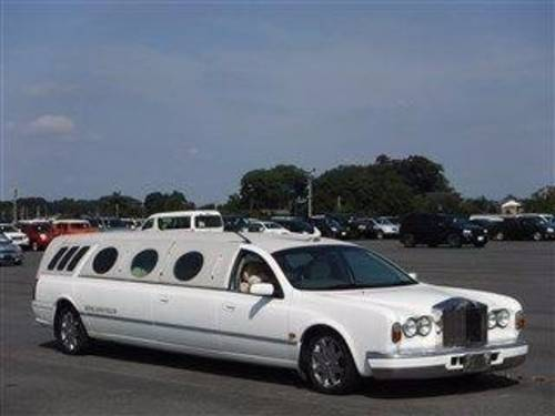 2000 LIMO HEARSE FUNERAL CAR ROLLS ROYCE FRONT 9 SEATS AND CASKET For Sale (picture 1 of 6)