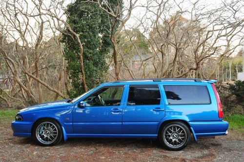 1999 Volvo V70R AWD Laser Blue,58,311 miles from new SOLD (picture 3 of 6)