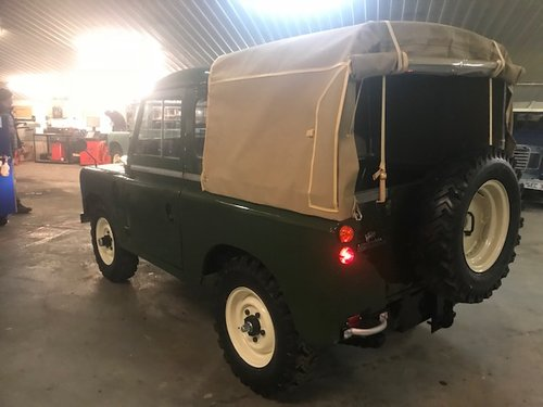 1972 Land Rover® Series 3 Truckcab (JLN) RESERVED SOLD (picture 4 of 6)